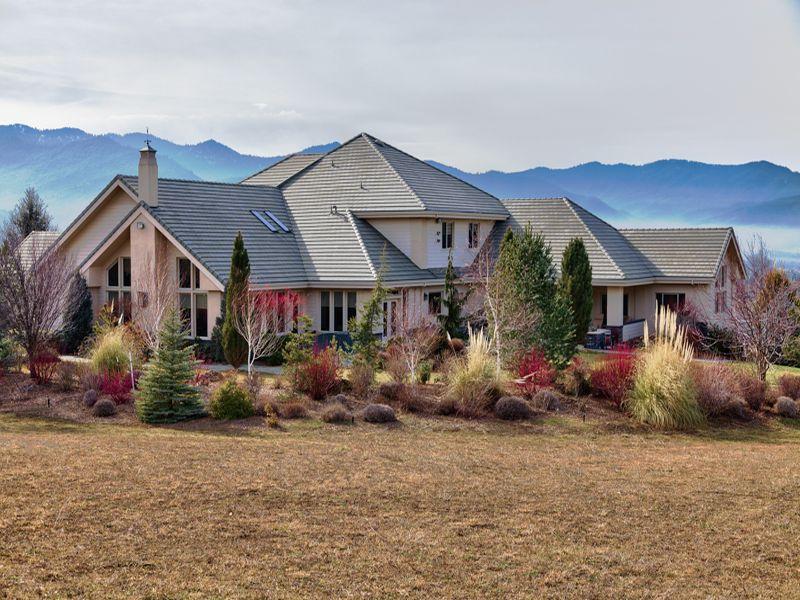 独户住宅 为 销售 在 1650 Butler Creek Ro 1650 Butler Creek Rd 阿什兰, 俄勒冈州, 97520 美国