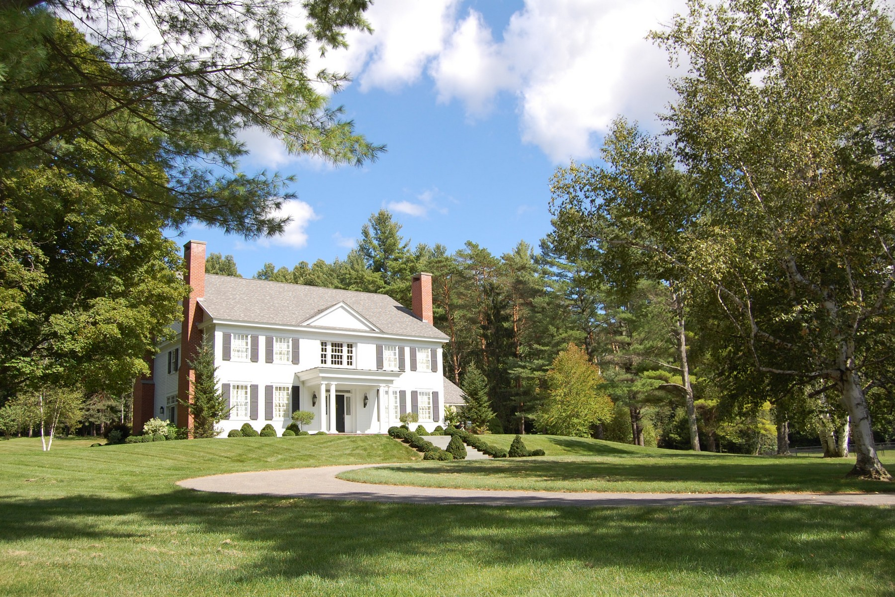 Single Family Home for Sale at Elegant Vermont Retreat 92 Cascades Rd Manchester, Vermont, 05254 United States