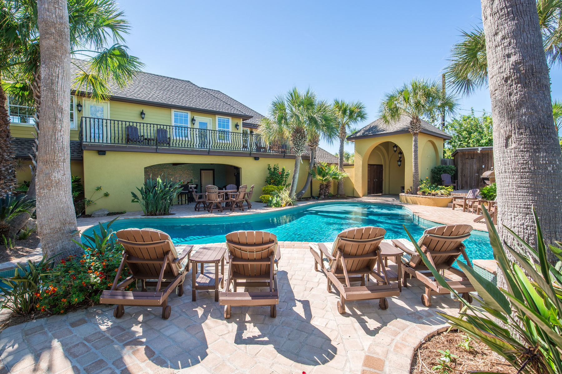 Additional photo for property listing at Forever Ocean Views 311 Twelfth St Port Aransas, Texas 78373 United States