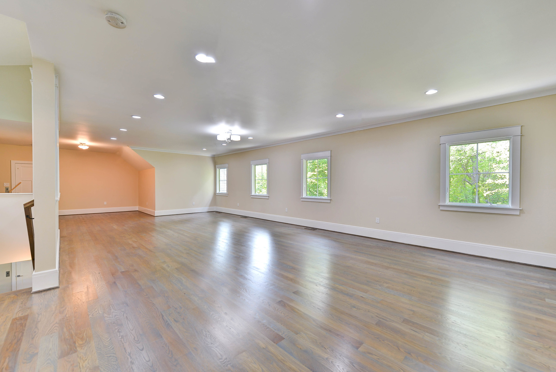 Additional photo for property listing at Langley Forest 6828 Sorrel St McLean, Virginia 22101 Vereinigte Staaten