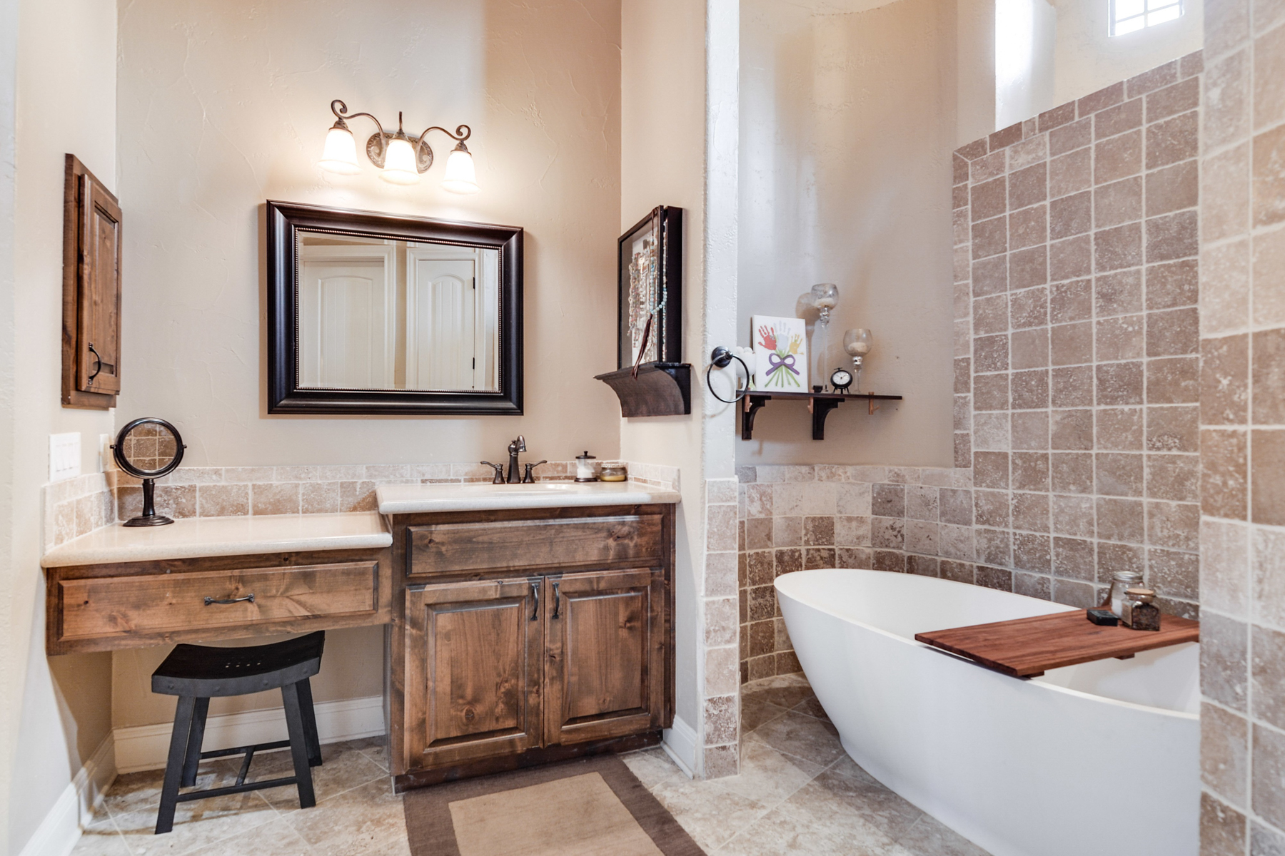 Additional photo for property listing at Fabulous Mediterranean Home in Menger Springs 108 Cabin Springs Boerne, Texas 78006 Estados Unidos