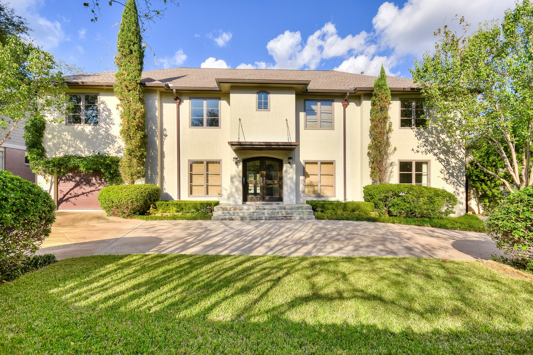 Single Family Home for Sale at Gorgeous Tarrytown 5 Bedroom 2404 Bowman Ave Austin, Texas, 78703 United States