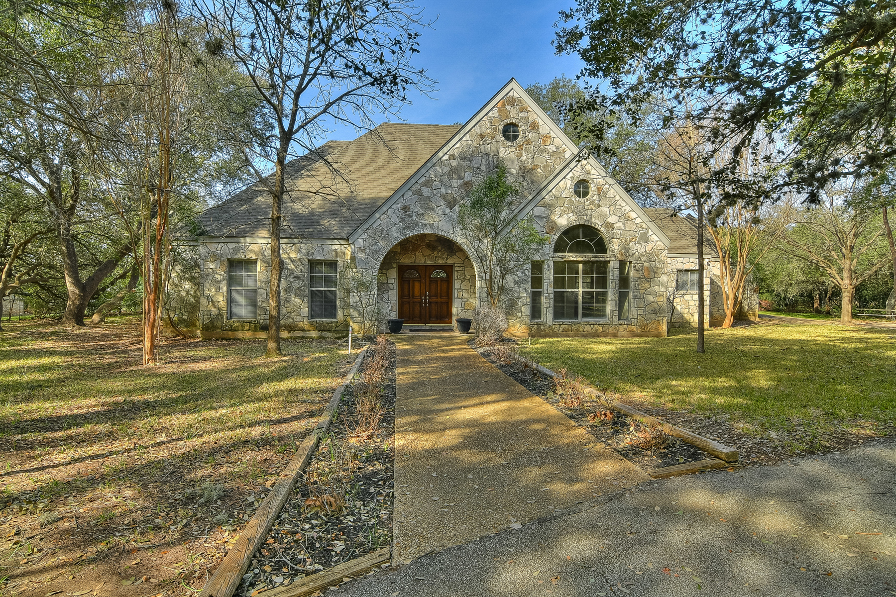 Single Family Home for Sale at Amazing Home on Over an Acre 5405 Prue Rd San Antonio, Texas 78240 United States