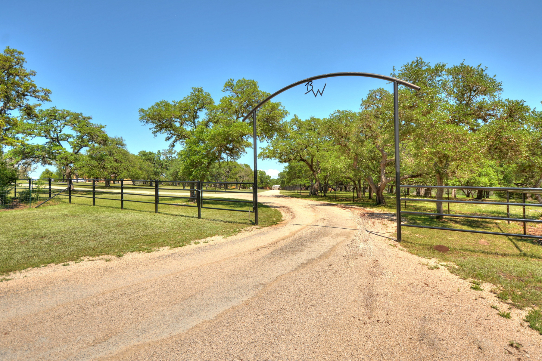 Additional photo for property listing at 32.32+/- Acre Premium Horse Property 47 A Pfeiffer Rd Boerne, Texas 78006 Estados Unidos