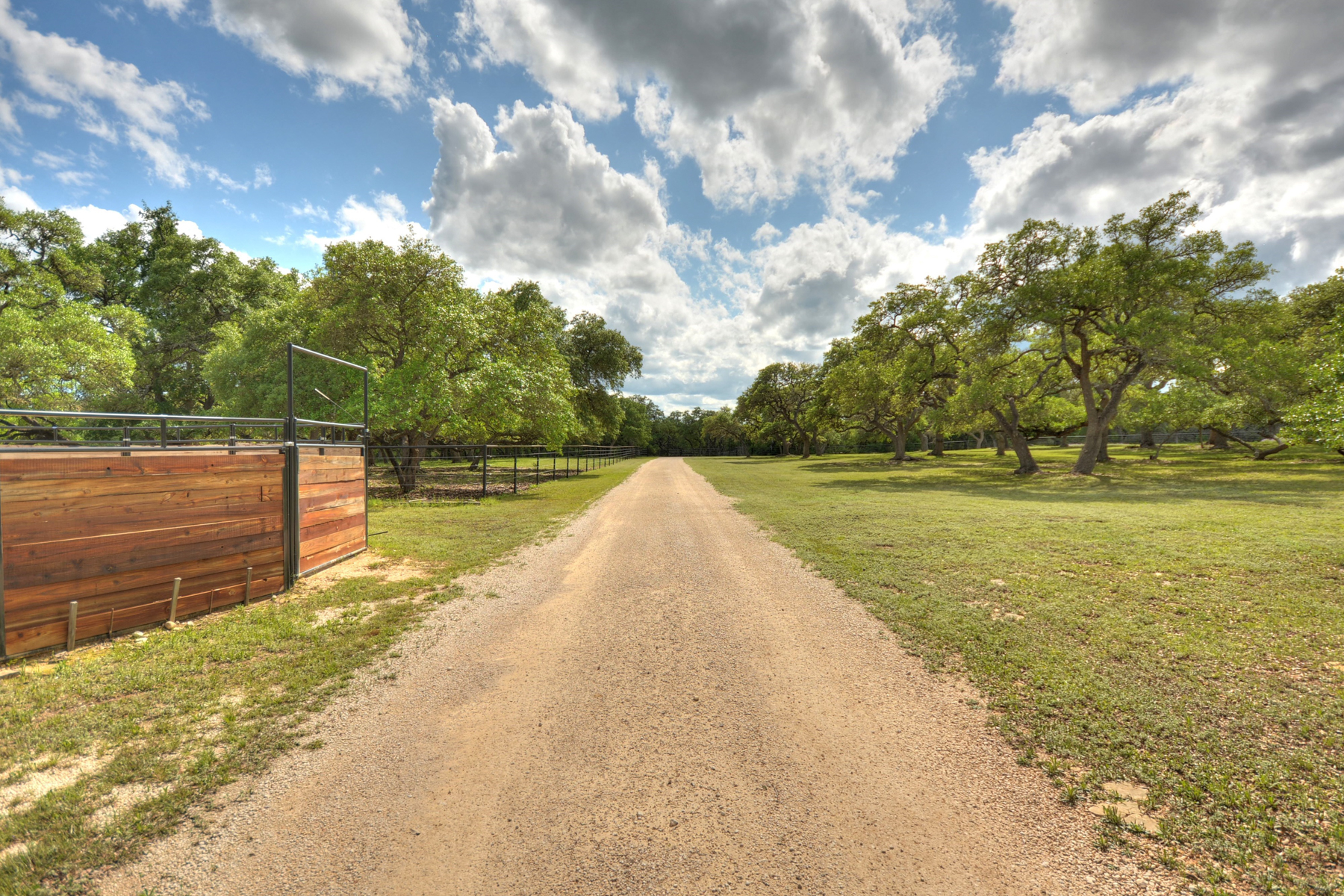 Additional photo for property listing at 15.84+/- Ac Premium Horse Property 47 Pfeiffer Rd Boerne, Texas 78006 Estados Unidos