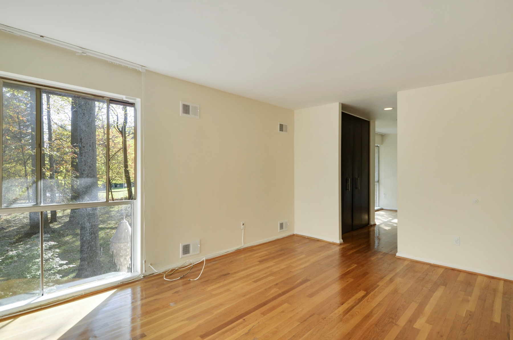 Additional photo for property listing at 4 Delford Avenue, Silver Spring  Silver Spring, メリーランド 20904 アメリカ合衆国