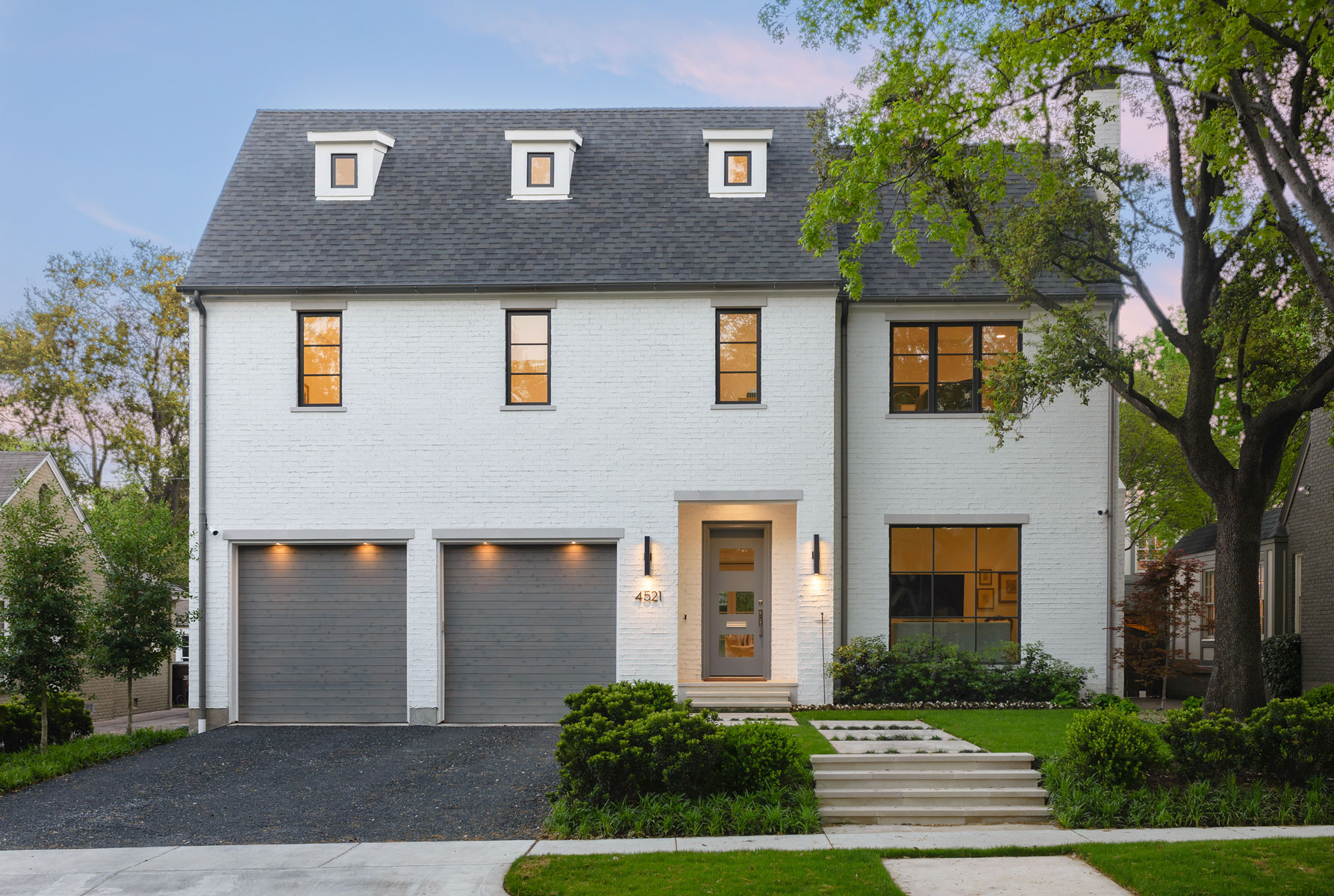 Single Family Home for Sale at Crisp, Clean-Lined and Comfortable 4521 S Versailles Ave Dallas, Texas, 75205 United States