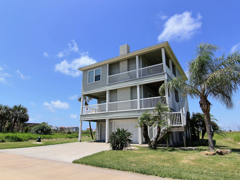 Single Family Home for Sale at Beachfront Home in Port Aransas 14717 La Concha Port Aransas, Texas 78373 United States