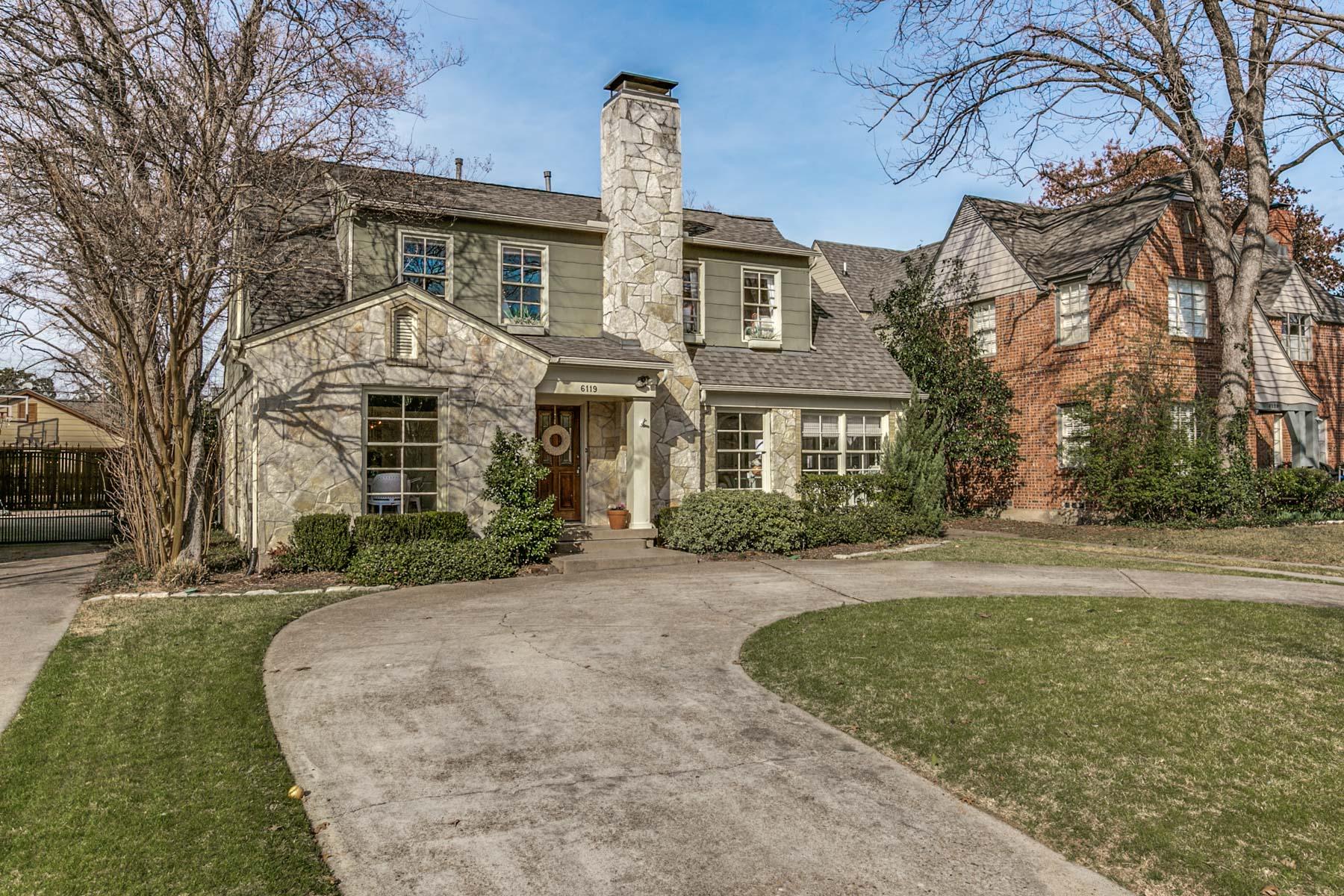Tek Ailelik Ev için Satış at M-Streets Cape Cod Cottage 6119 McCommas Blvd Dallas, Teksas, 75214 Amerika Birleşik Devletleri