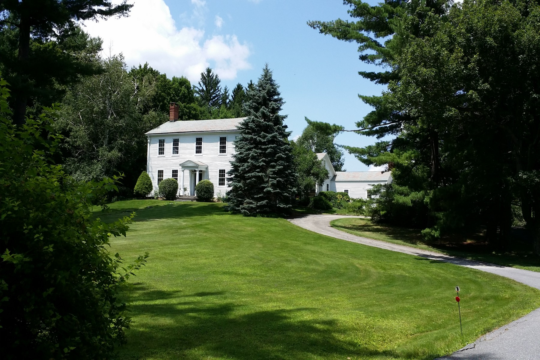 Single Family Home for Sale at Historic Treasure 11 West Rd Bennington, Vermont, 05201 United States