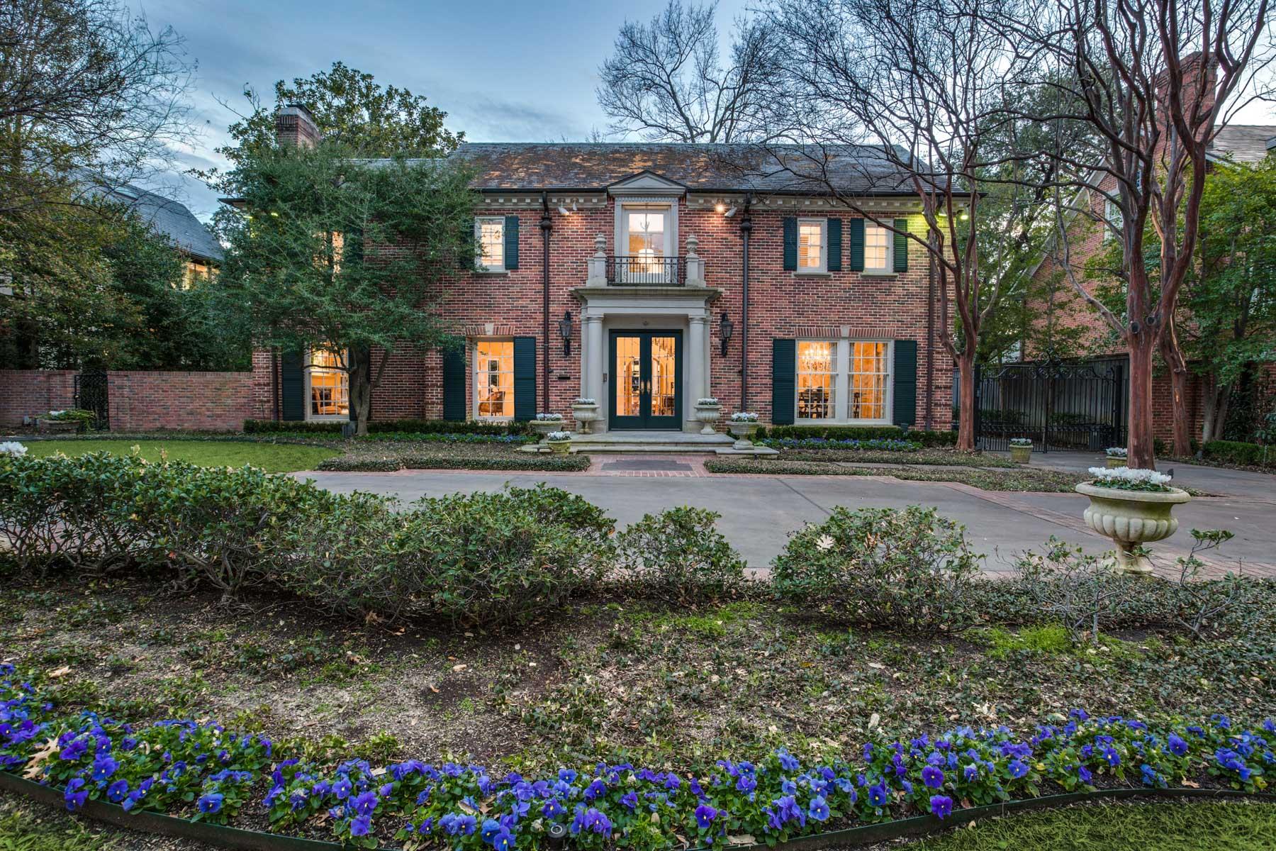 Tek Ailelik Ev için Satış at Refined Elegance with Exquisite Updates 4433 Bordeaux Ave Highland Park, Teksas, 75205 Amerika Birleşik Devletleri