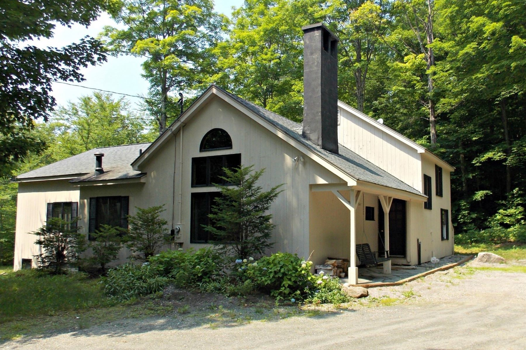 Single Family Home for Sale at 61 Sugarbush Dr, Winhall Winhall, Vermont, 05340 United States
