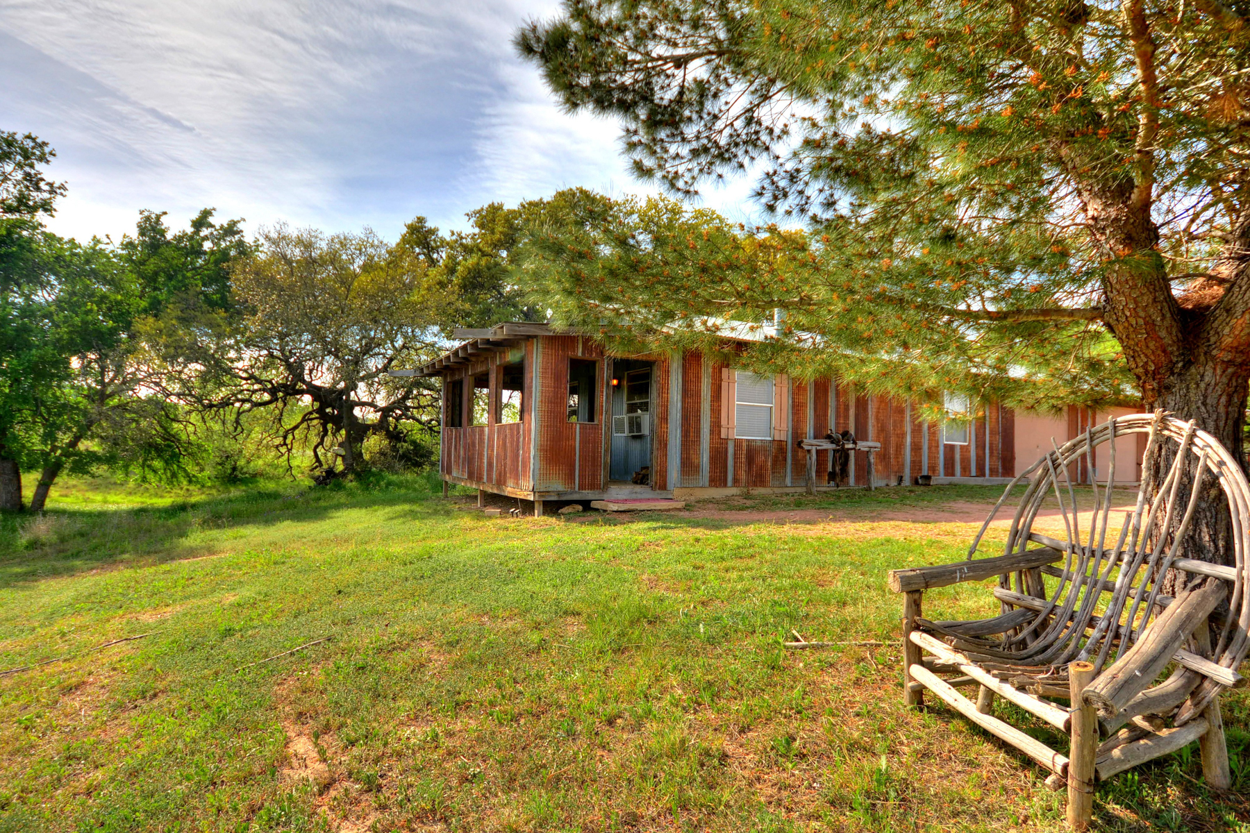 Additional photo for property listing at Amazing Fredericksburg Property 457 Bob Moritz Fredericksburg, Texas 78624 Estados Unidos