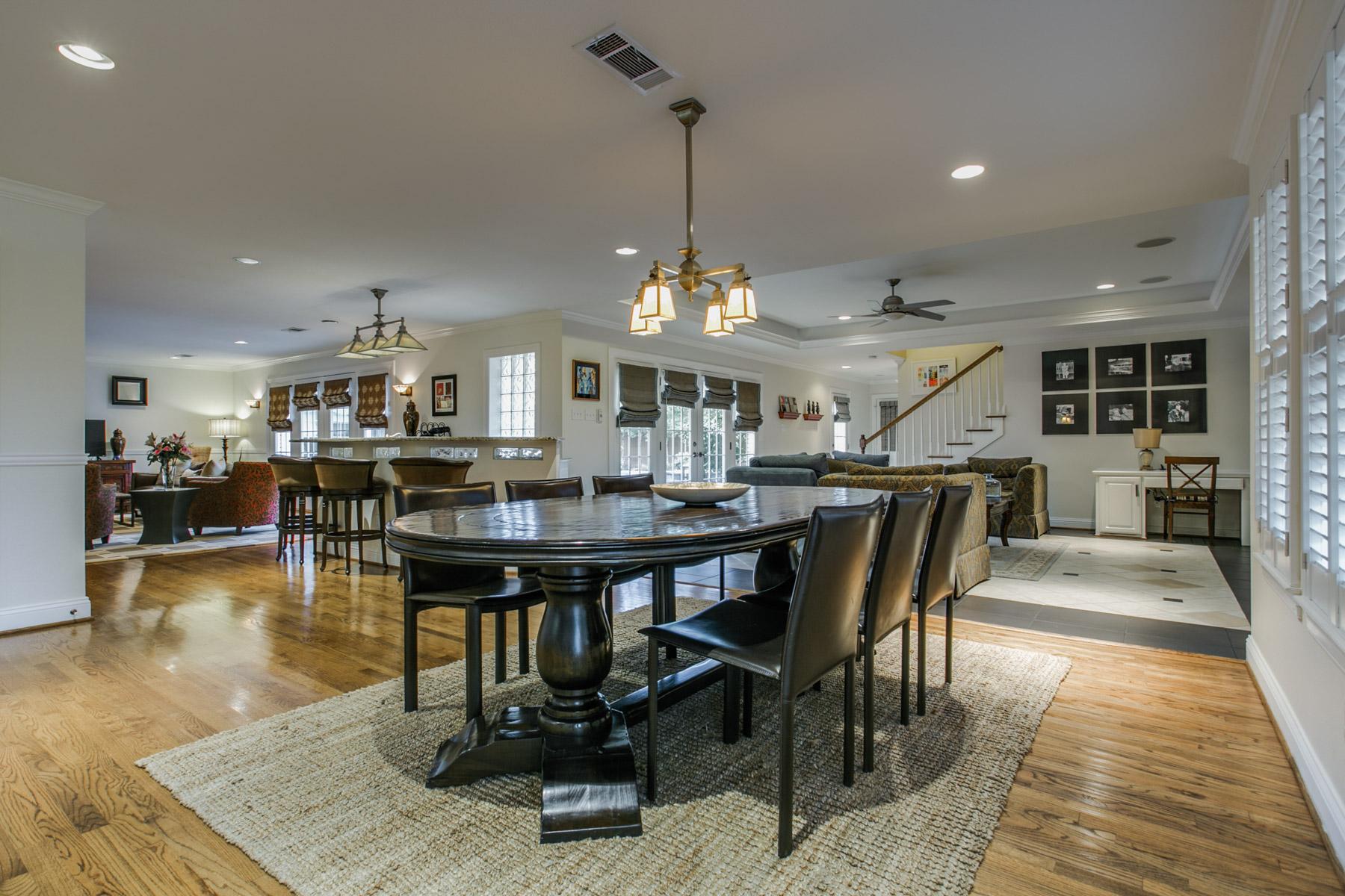 Maison unifamiliale pour l Vente à 5818 Waggoner Drive, Dallas Dallas, Texas, 75230 États-Unis
