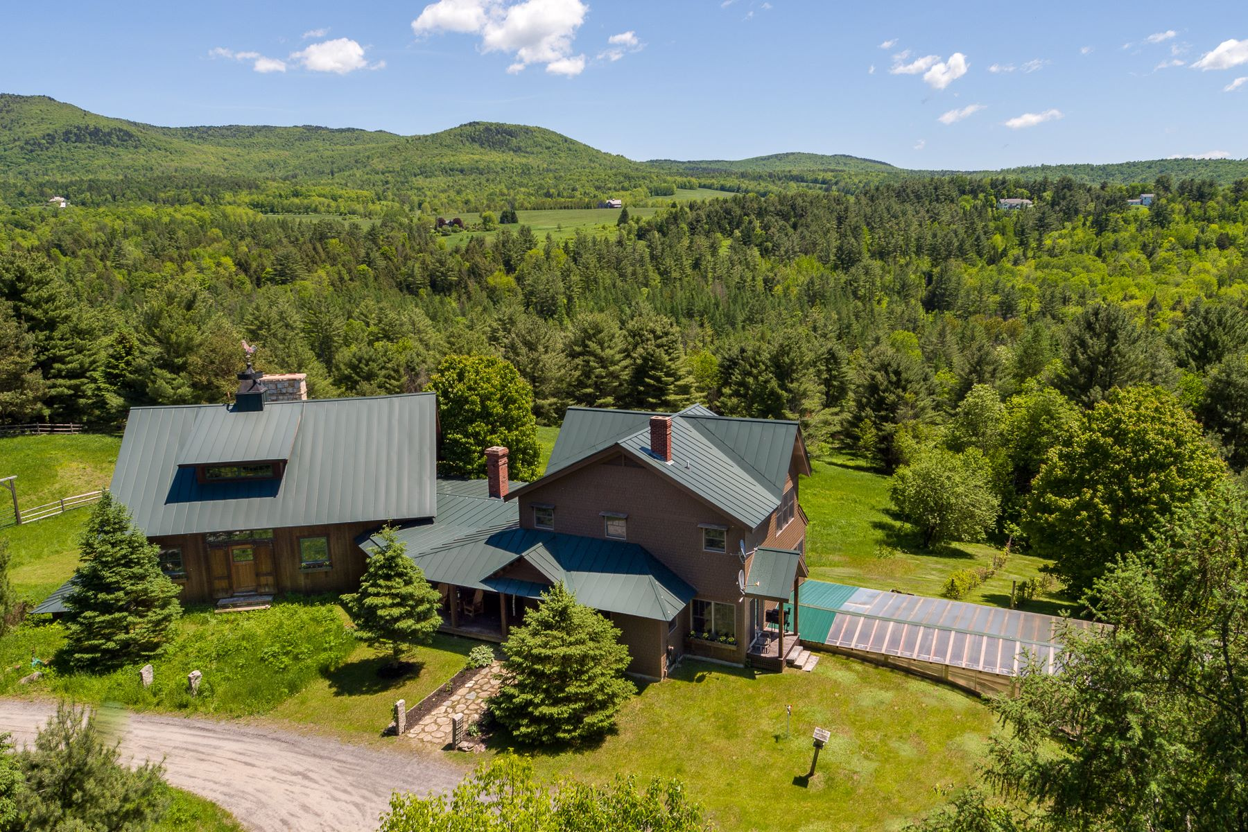 Single Family Home for Sale at Sugar Maple Lodge 1350 Sugar Maple Rd Lyndon, Vermont, 05851 United States