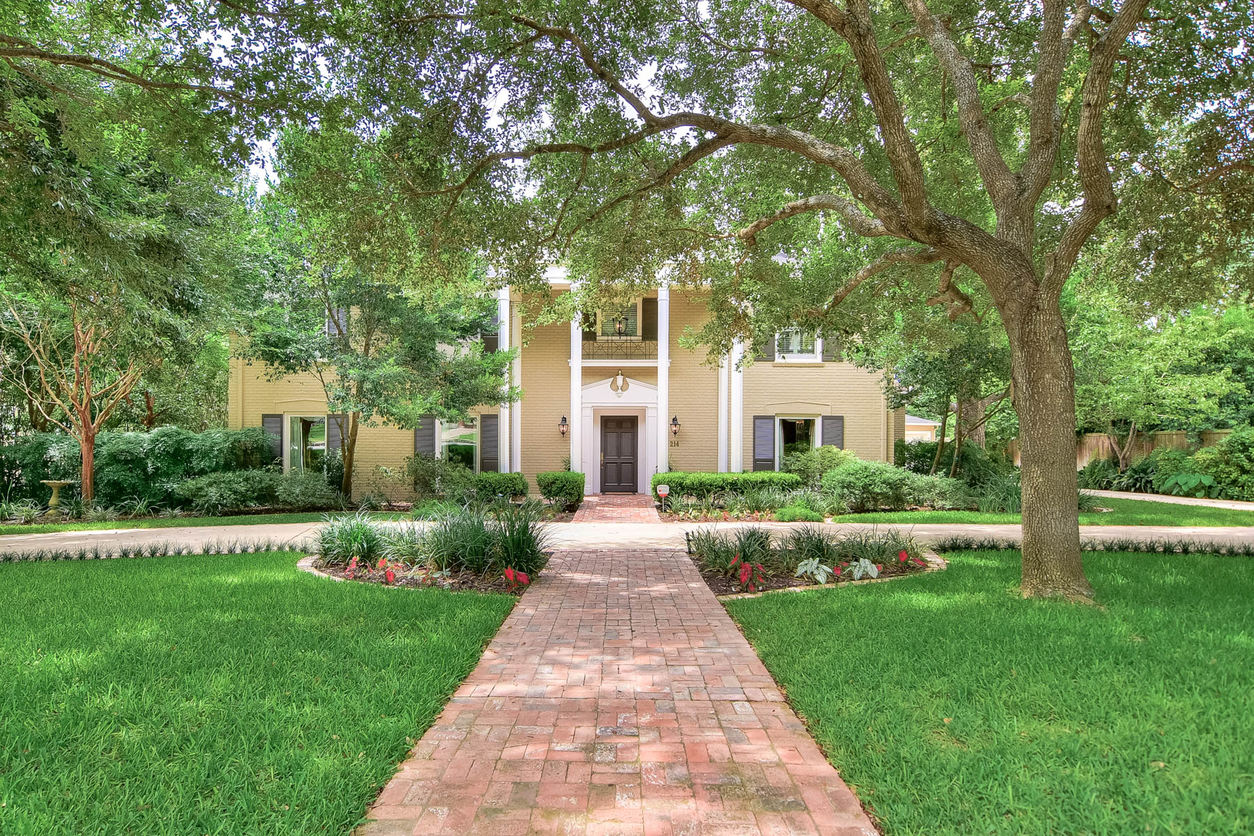 Single Family Home for Sale at Magnificent Home in the Heart of Olmos Park 214 E Mandalay Dr, San Antonio, Texas, 78212 United States