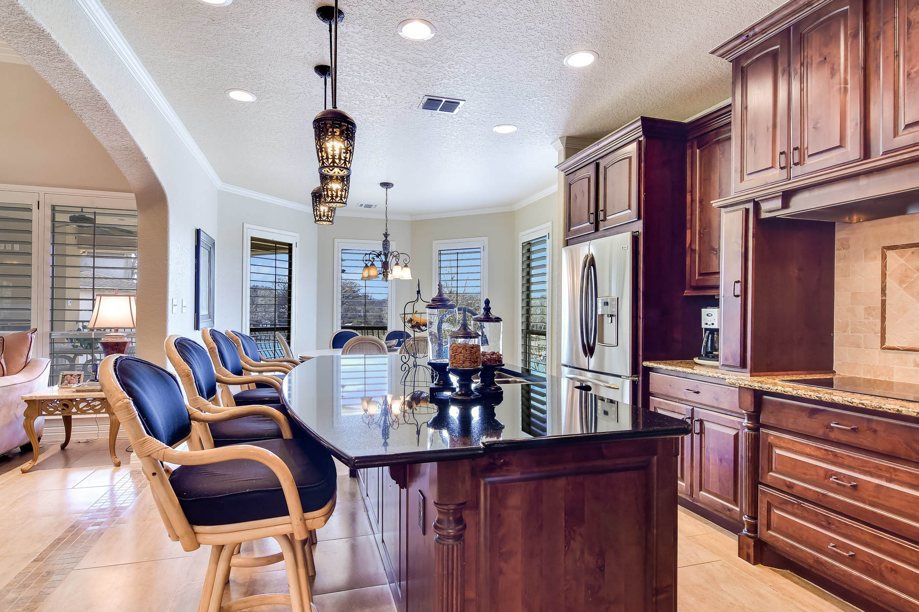 Additional photo for property listing at Breathtaking Waterfront Home on Lake McQueeney 326 Las Hadas Seguin, Texas 78155 United States