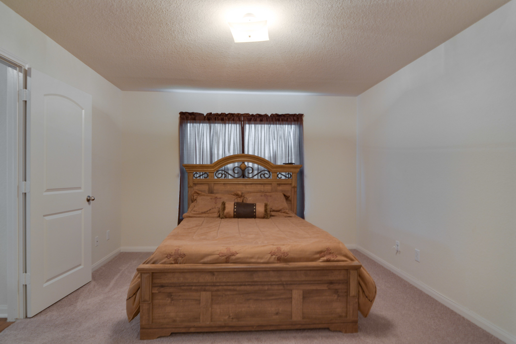 Additional photo for property listing at Beautiful One-Story in Foster Meadows 6114 Pleasant Meadow San Antonio, Texas 78222 United States