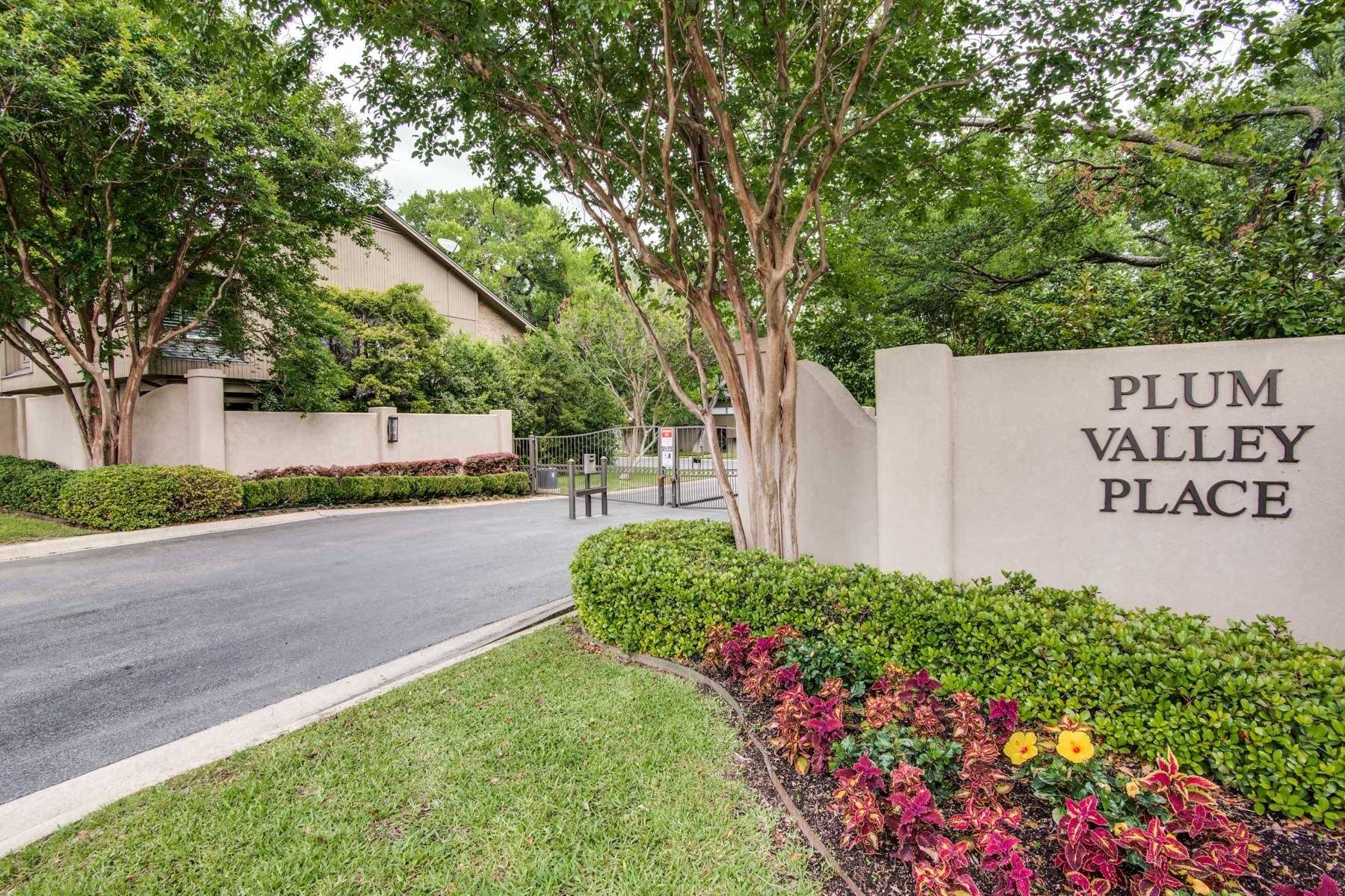 独户住宅 为 销售 在 6117 Plum Valley Pl, Fort Worth 沃斯堡市, 得克萨斯州, 76116 美国