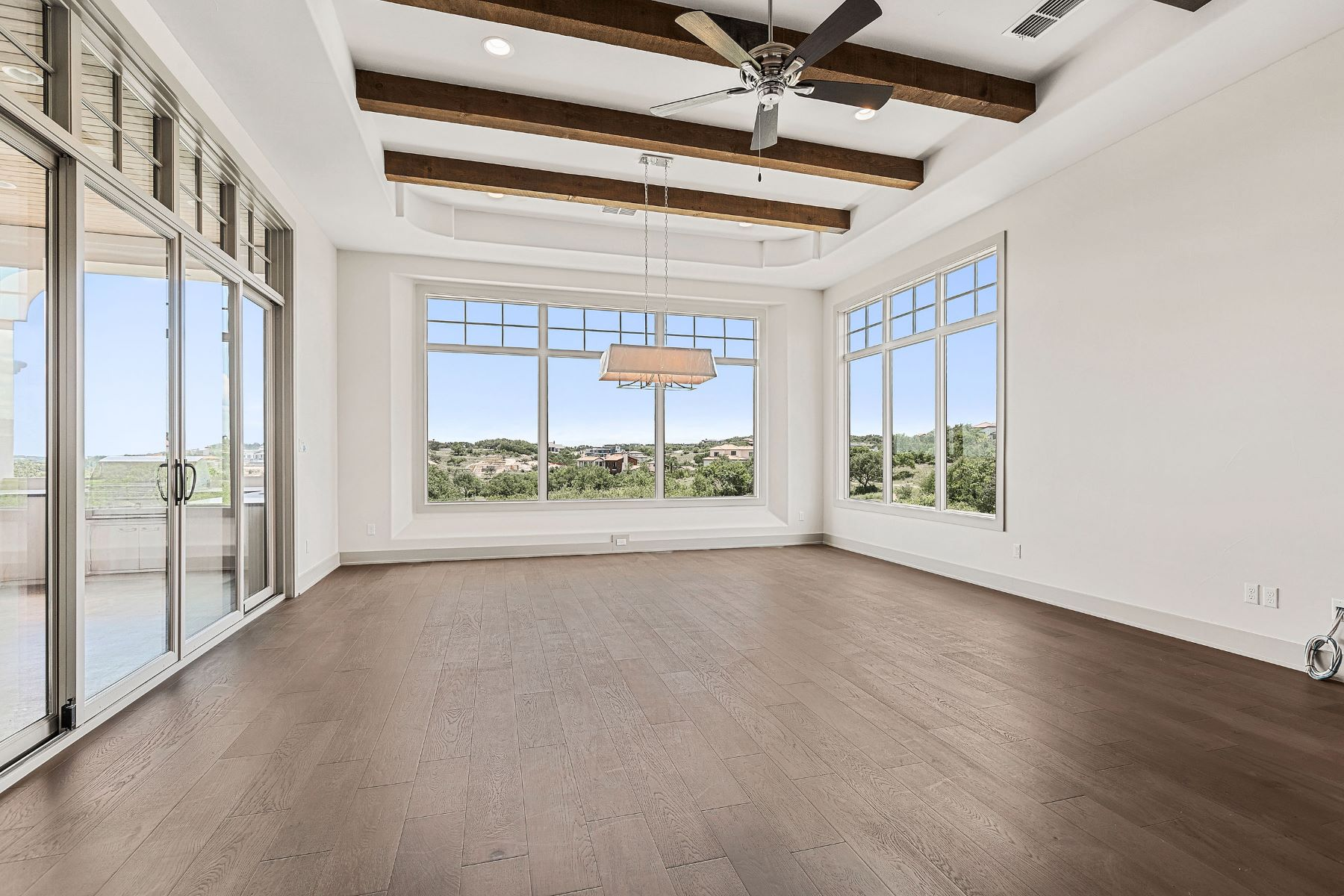 Additional photo for property listing at Breathtaking Golf Course Views 12908 Hacienda Ridge Austin, Texas 78738 United States