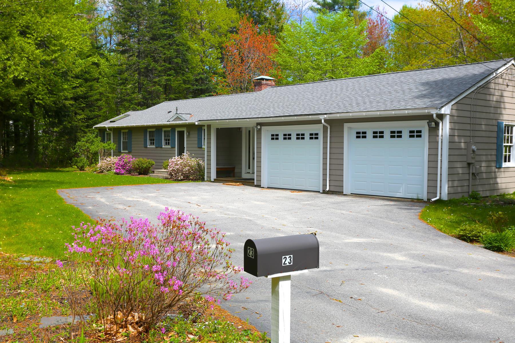 Частный односемейный дом для того Продажа на 23 Jenny, New London New London, Нью-Гэмпшир, 03257 Соединенные Штаты