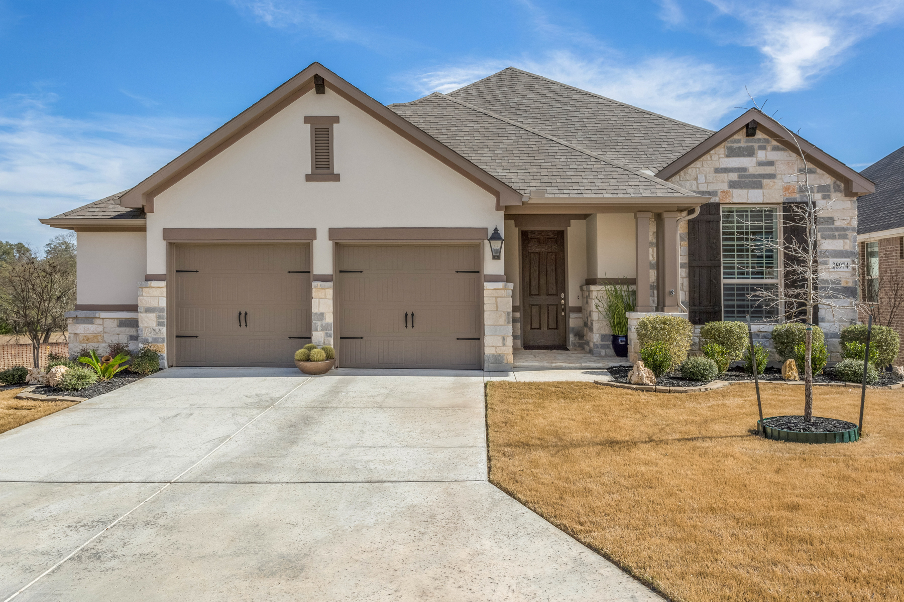Single Family Home for Sale at Great Home in Front Gate 28974 Fairs Gate Fair Oaks Ranch, Texas 78015 United States