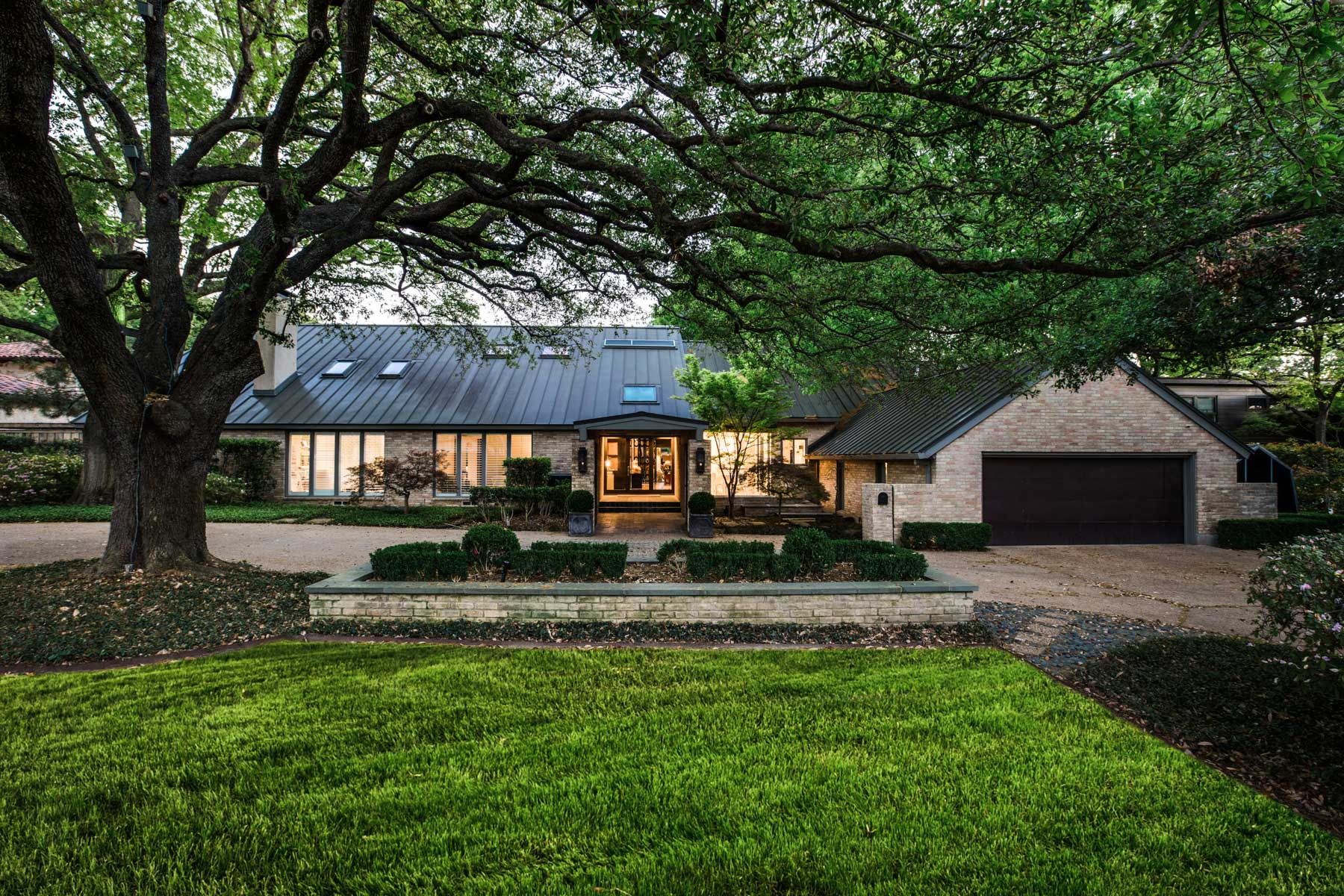 Single Family Home for Sale at Stunning Greenway Parks Contemporary 5330 Drane Dr Dallas, Texas, 75209 United States