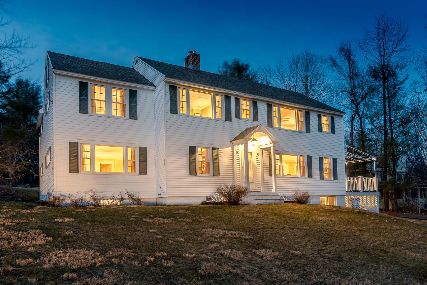Moradia para Venda às Charming Renovated Village Colonial 170 Ways Ln Manchester, Vermont, 05254 Estados Unidos