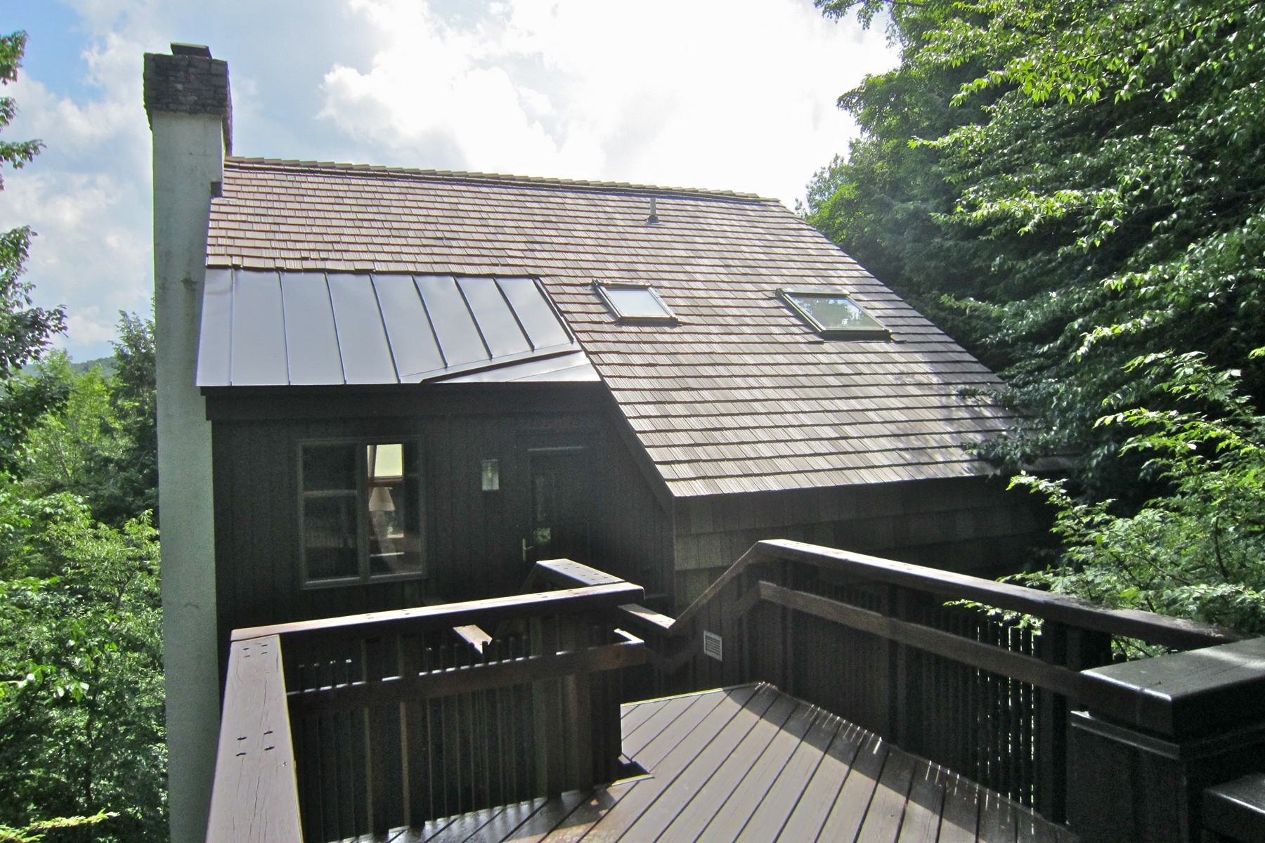 Single Family Home for Sale at Unique Hawk HOme 495 Kestrell Dr Plymouth, Vermont, 05056 United States