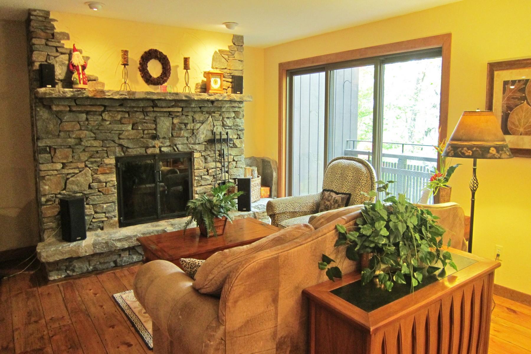 共管式独立产权公寓 为 销售 在 Ledges 32 at Hawk 1226 East Ash L-32 普利茅斯, 佛蒙特州, 05056 美国