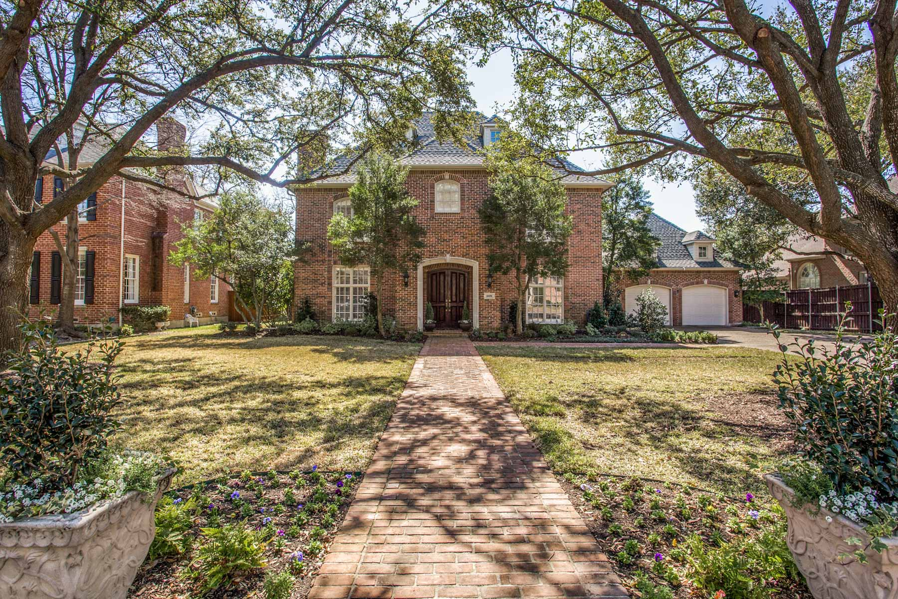 Single Family Home for Sale at Charming Preston Hollow Traditional 6606 Glendora Ave Dallas, Texas, 75230 United States