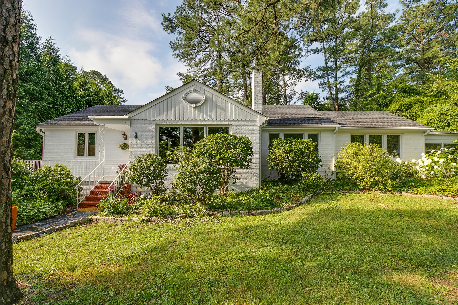 Single Family Home for Sale at 8607 Julian Road, Henrico 8607 Julian Rd Henrico, Virginia, 23229 United States