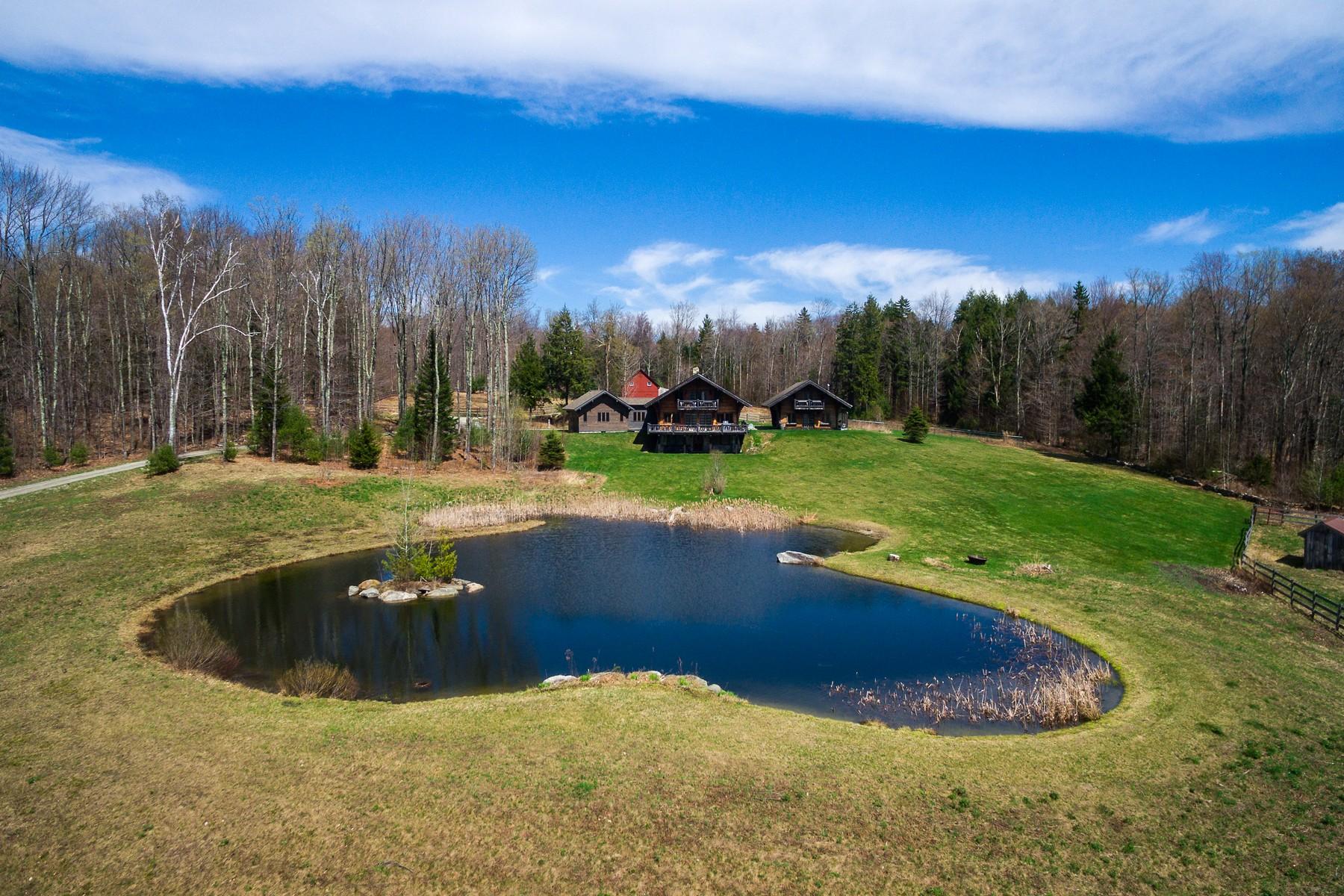 Casa para uma família para Venda às Lippitt Mountain Farm 32 +Acres, Pond & Views 76 Cody Rd Landgrove, Vermont, 05148 Estados Unidos