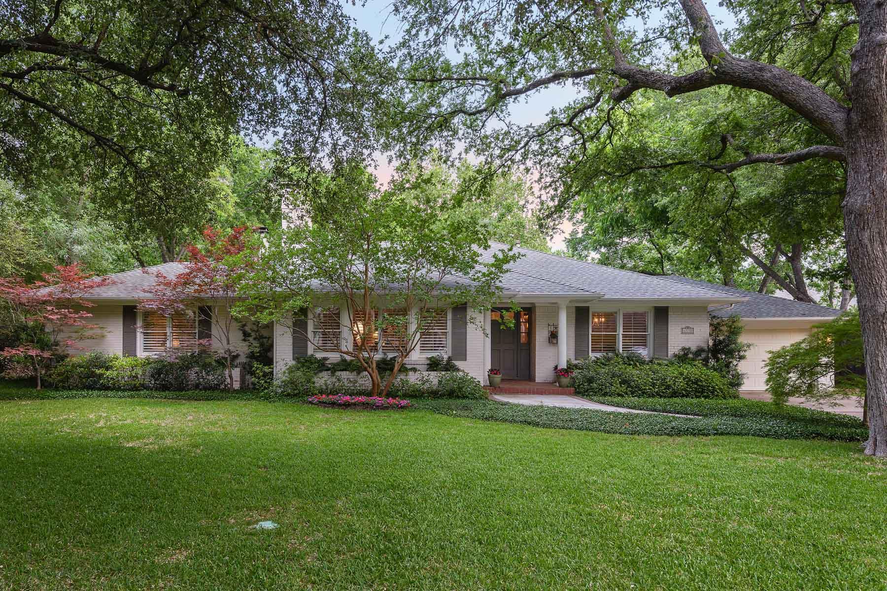 獨棟家庭住宅 為 出售 在 Preston Hollow Traditional Ranch-Style 6530 Desco Dr Dallas, 德克薩斯州, 75225 美國