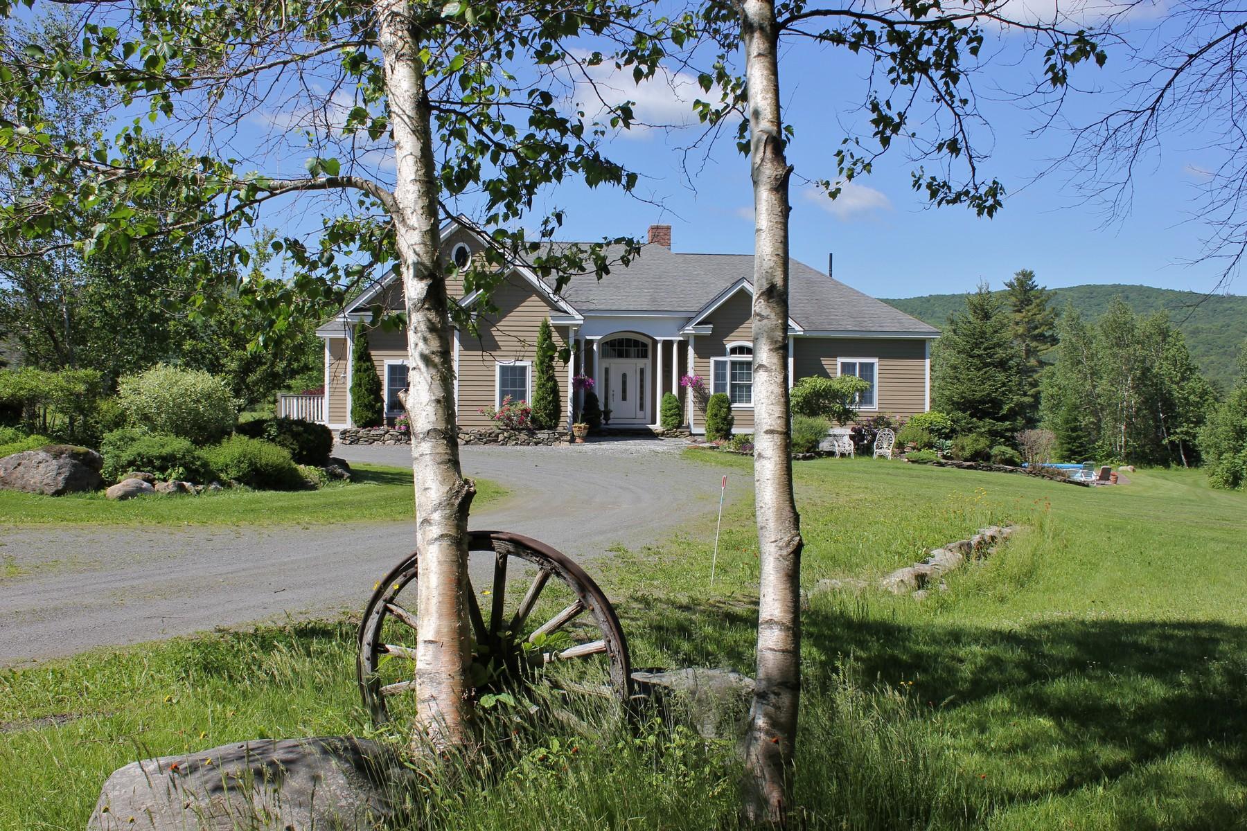 Maison unifamiliale pour l Vente à Maple Hill Road 762 Maple Hill Rd Mount Holly, Vermont, 05730 États-Unis