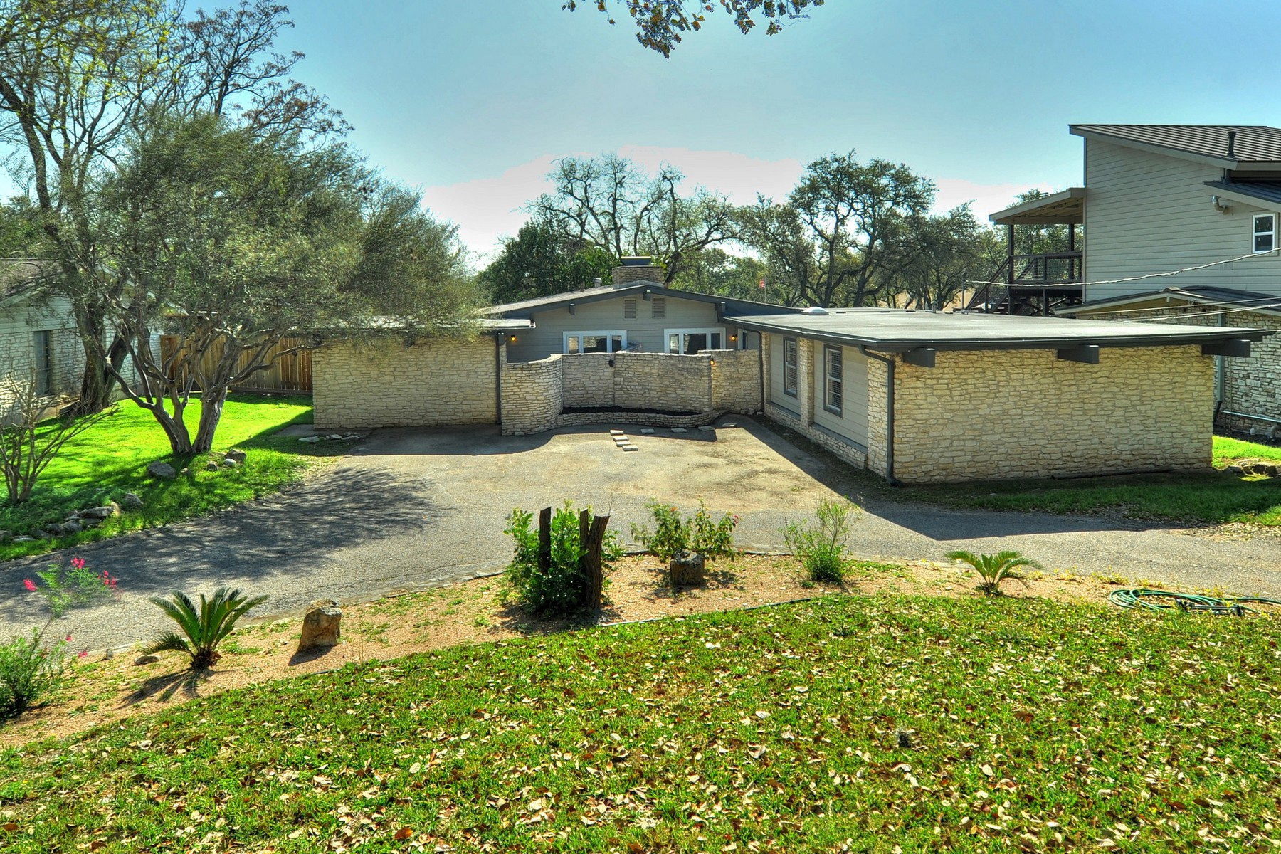 Single Family Home for Sale at Unique Investor Opportunity in Westlake Hills 109 Westhaven Dr Austin, Texas 78746 United States