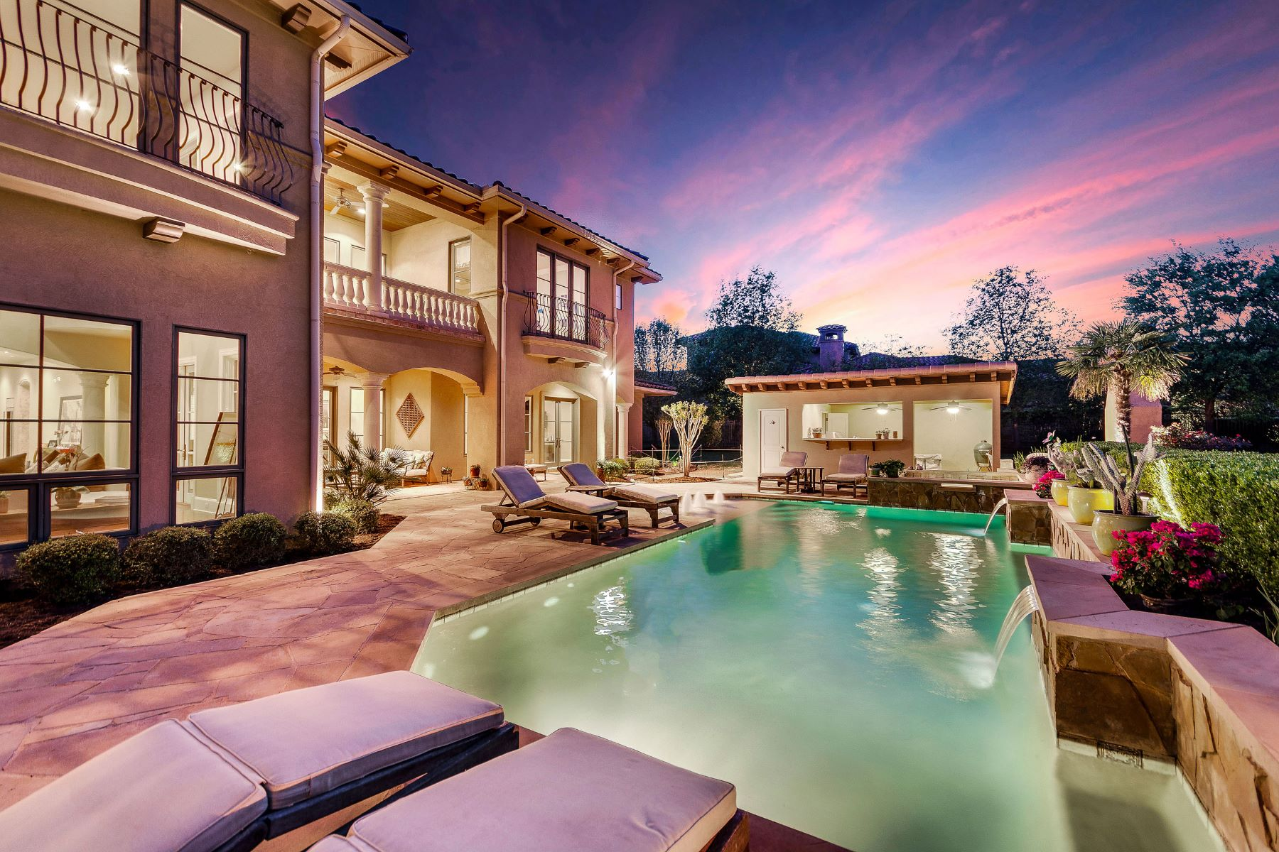 Casa Unifamiliar por un Venta en Sophisticated Barton Creek Estate 8416 Calera Dr Austin, Texas 78735 Estados Unidos