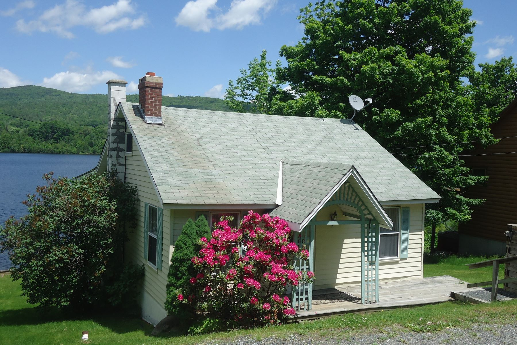 Single Family Home for Sale at 109 Us Route 4a, Lebanon Lebanon, New Hampshire, 03766 United States
