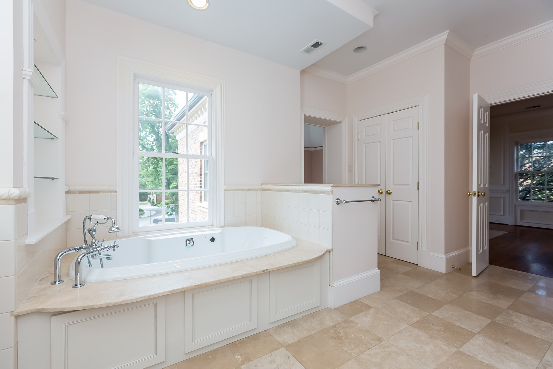 Additional photo for property listing at 1209 Stuart Robeson Drive, Mclean  McLean, Βιρτζινια 22101 Ηνωμενεσ Πολιτειεσ