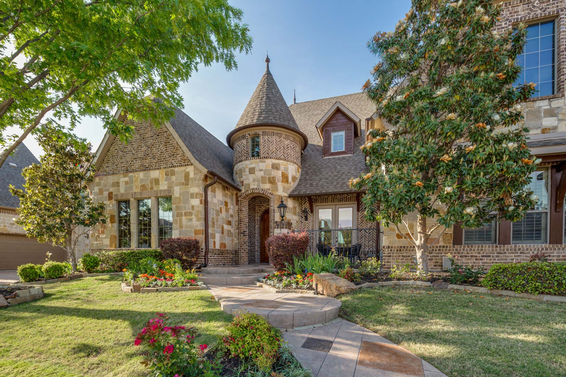 Single Family Home for Sale at Stunning Stonebriar CC Custom Tudor 4546 Warwick Ln Frisco, Texas 75034 United States