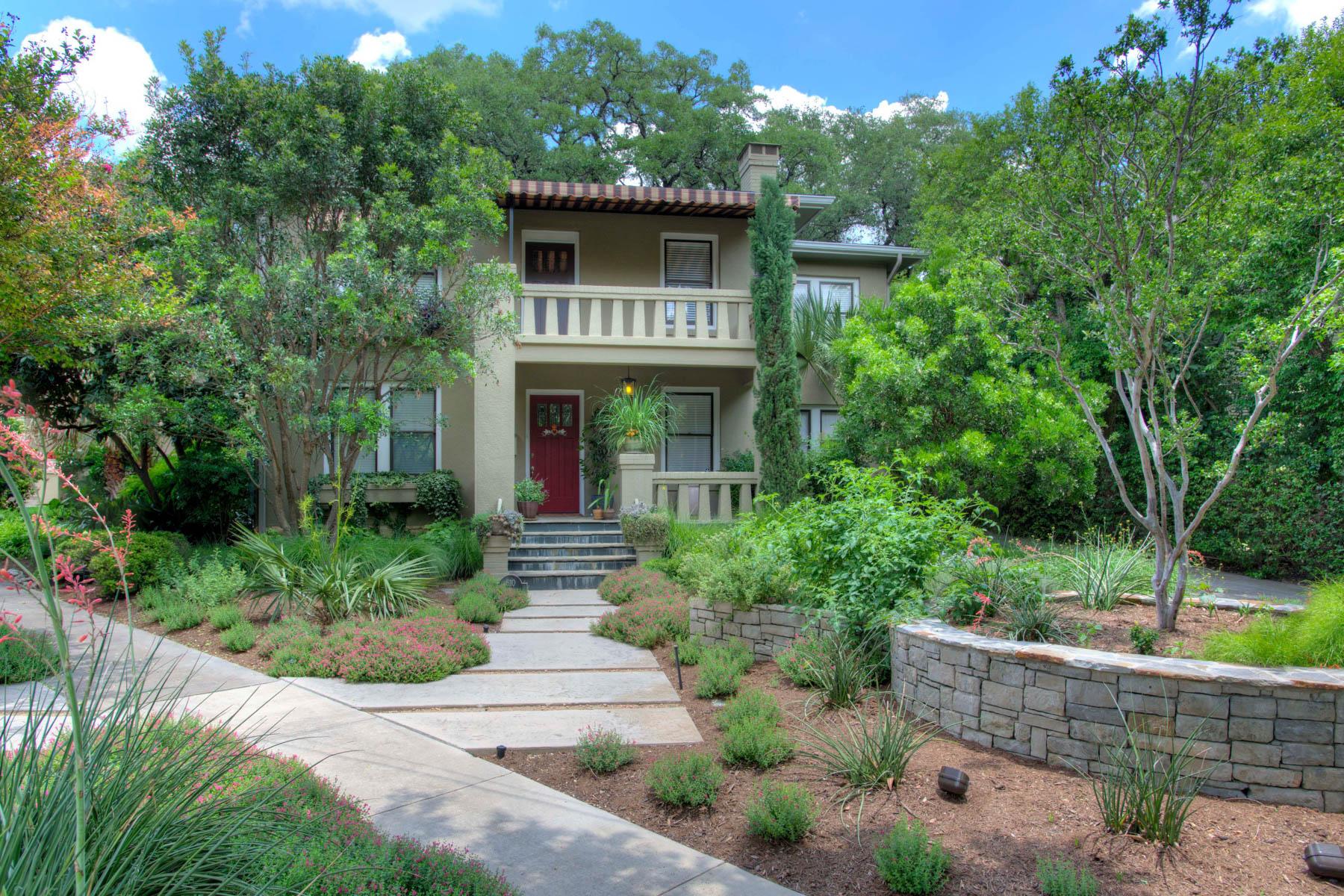 Maison unifamiliale pour l Vente à 1917 Prairie Style Home in Alamo Heights 610 Patterson Ave Alamo Heights, San Antonio, Texas, 78209 États-Unis