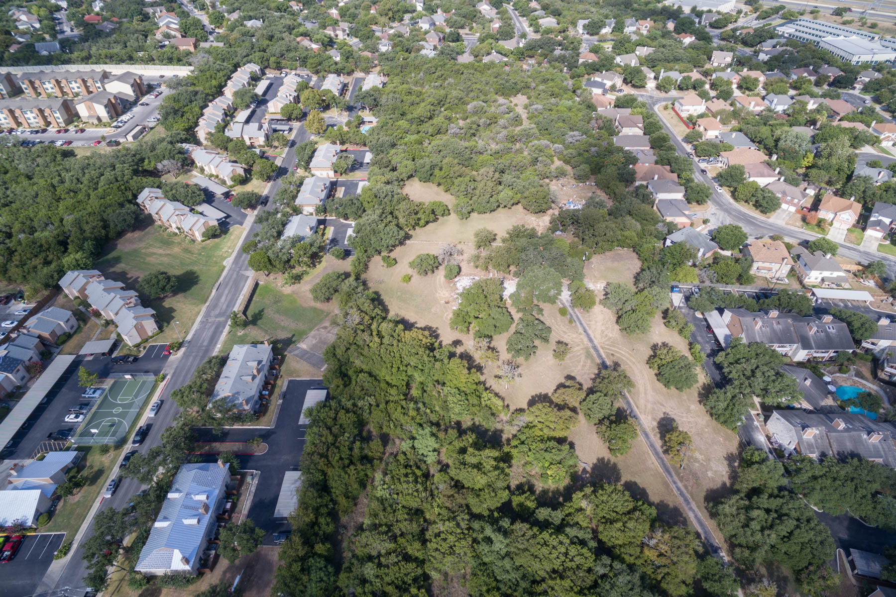 Additional photo for property listing at 9 Acre Property 14715 Babcock Rd San Antonio, Texas 78249 Estados Unidos