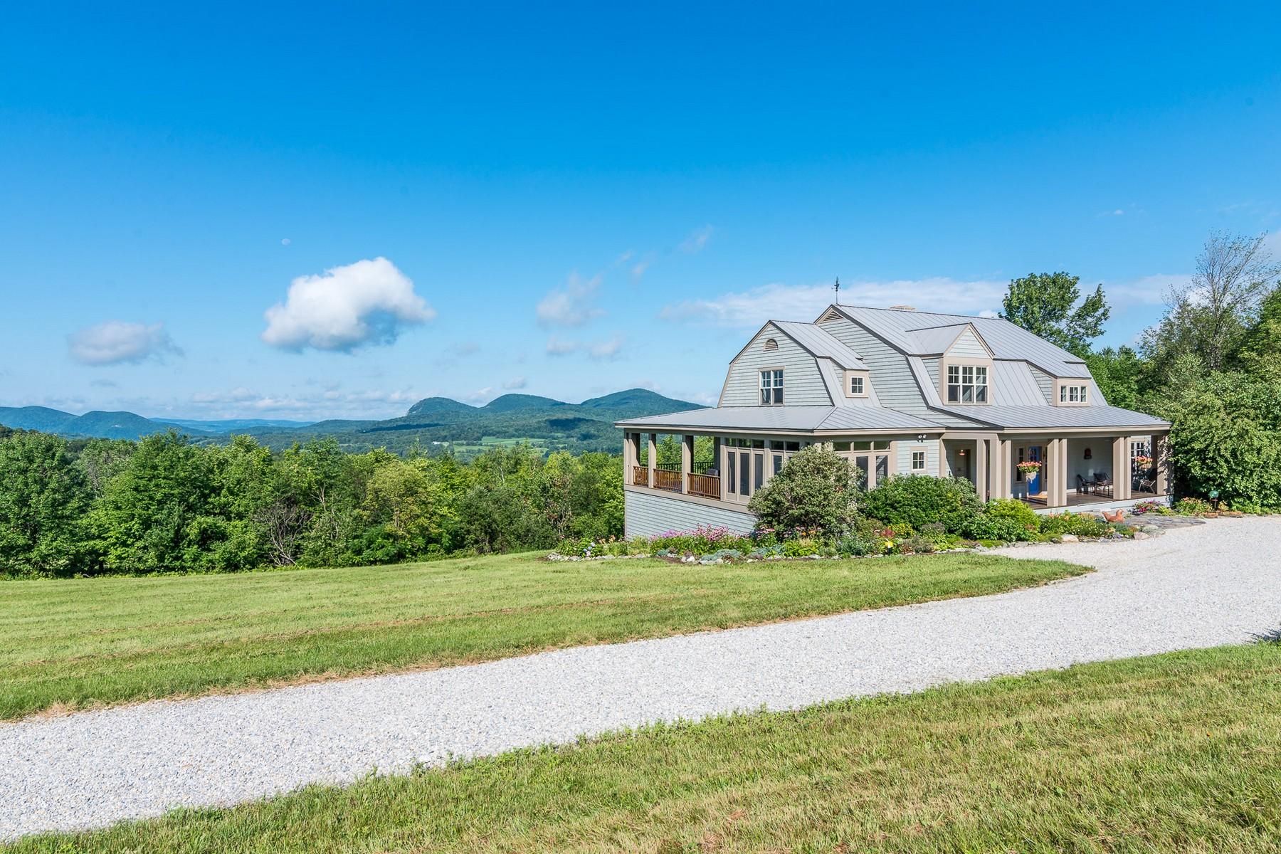 Maison unifamiliale pour l Vente à 1638 Lilly Hill Rd, Danby Danby, Vermont 05761 États-Unis