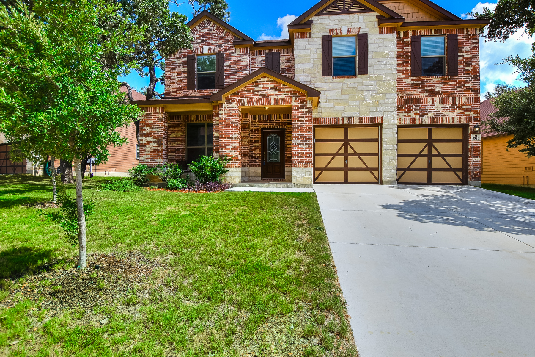 Single Family Home for Rent at Spacious Rental in Cobblestone 7523 Daniel Krug San Antonio, Texas 78253 United States