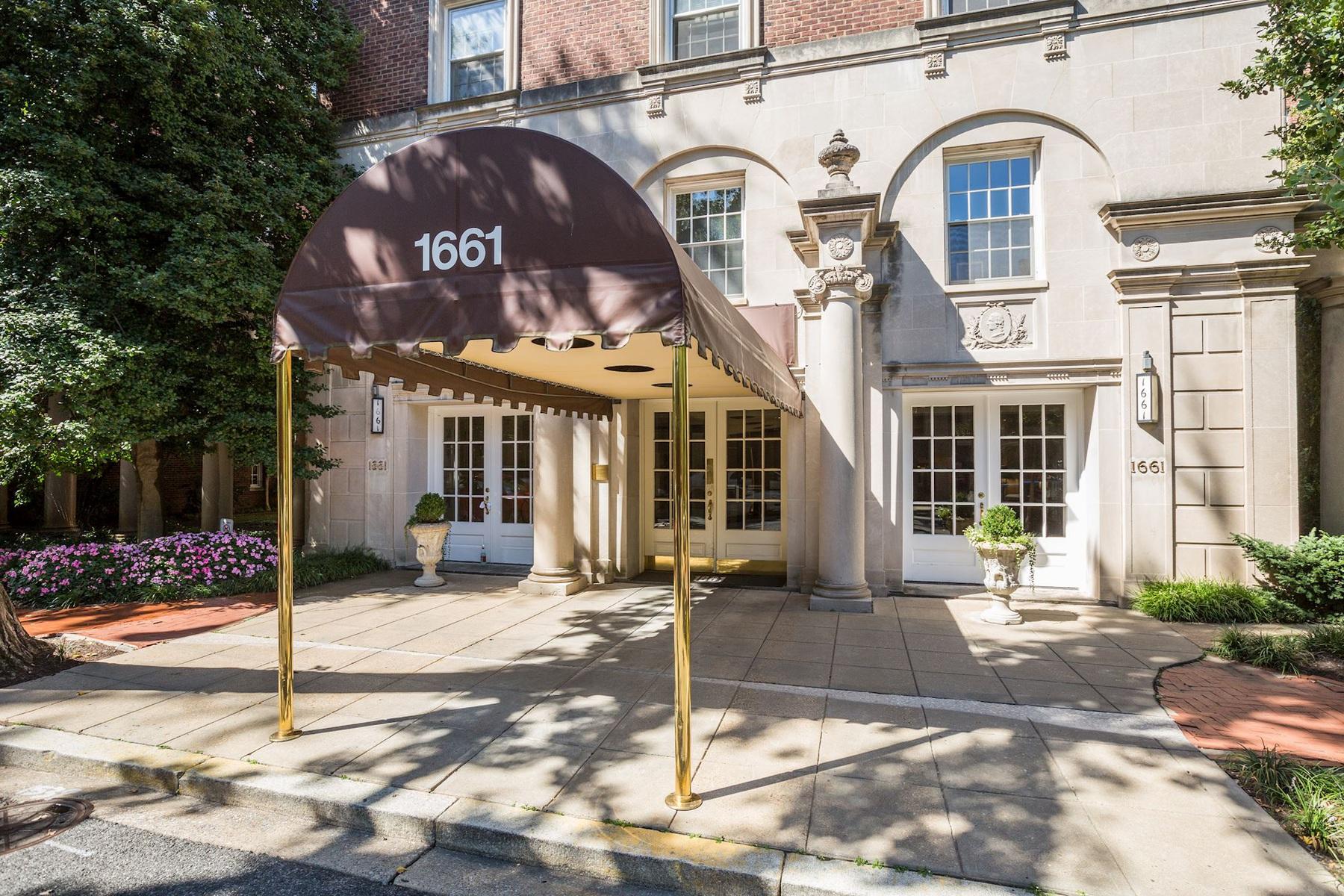Частный односемейный дом для того Продажа на 1661 Crescent Place 210, Washington 1661 Crescent Pl 210 Washington, Округ Колумбия 20009 Соединенные Штаты