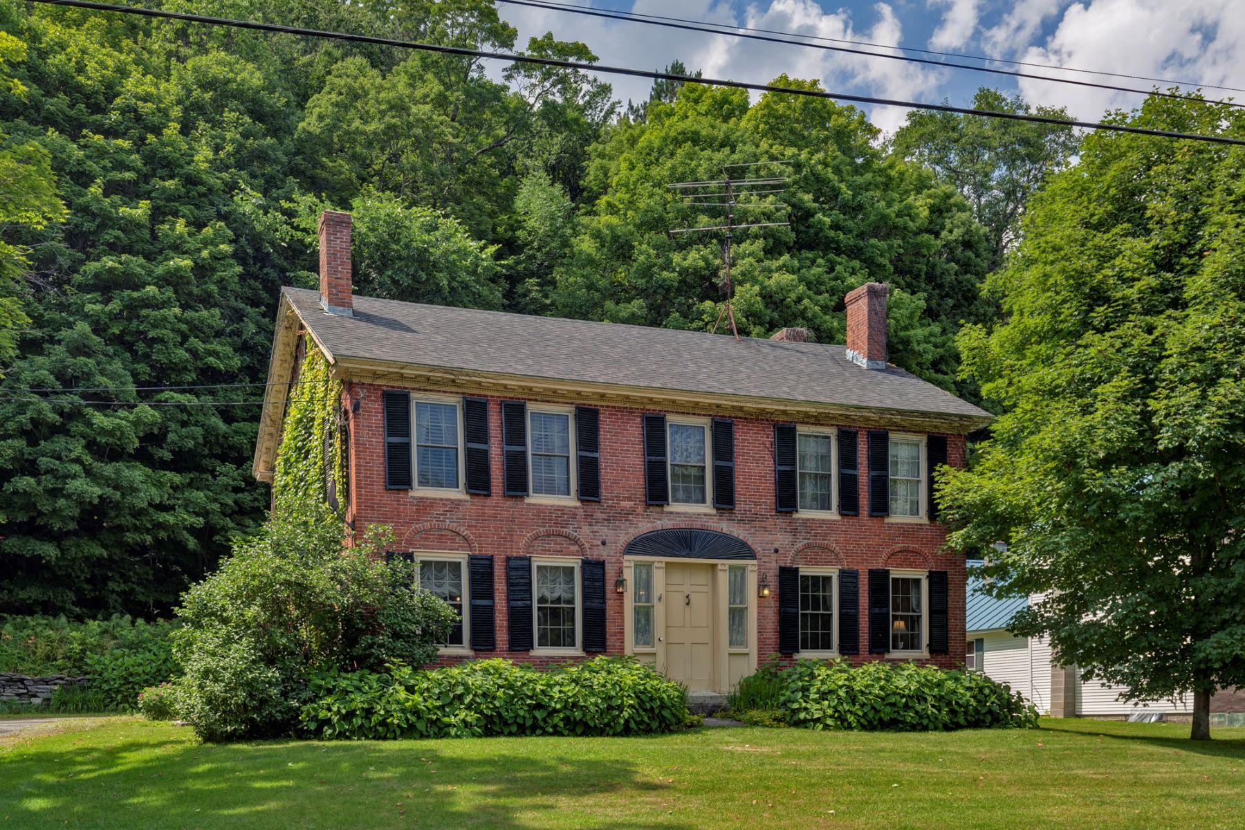 Maison unifamiliale pour l Vente à 7935 Route 113, Thetford Thetford, Vermont, 05058 États-Unis