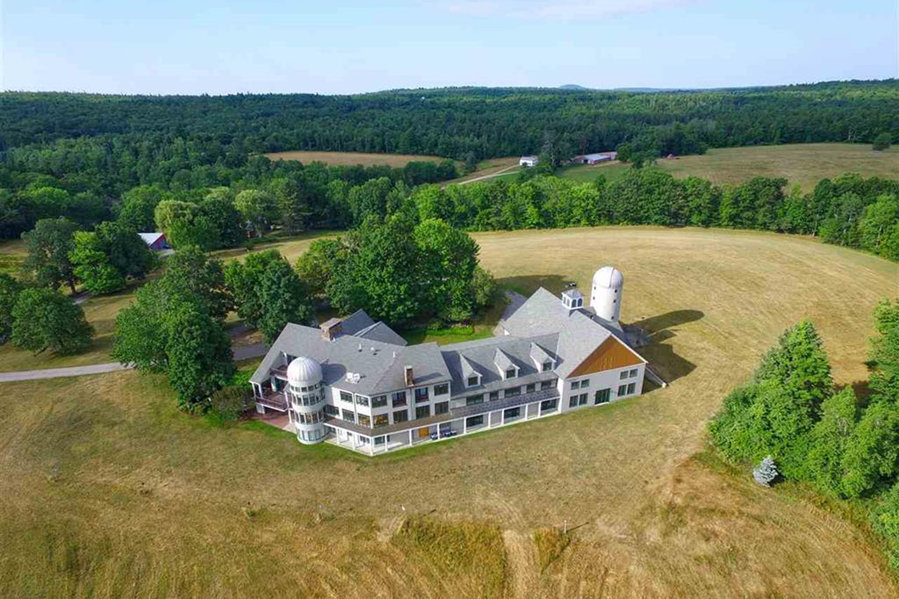 Single Family Home for Sale at Seacoast NH Area Estate Home 84 Canaan Back Barrington, New Hampshire 03825 United States