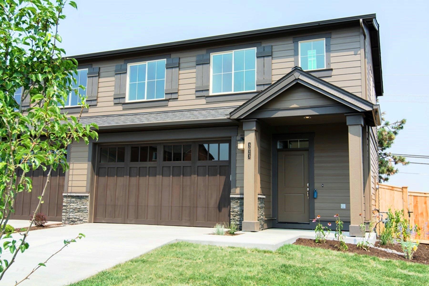 Nhà phố vì Bán tại New Construction Pahlisch Townhome 160 SW 30th St Lot 92 Redmond, Oregon, 97756 Hoa Kỳ