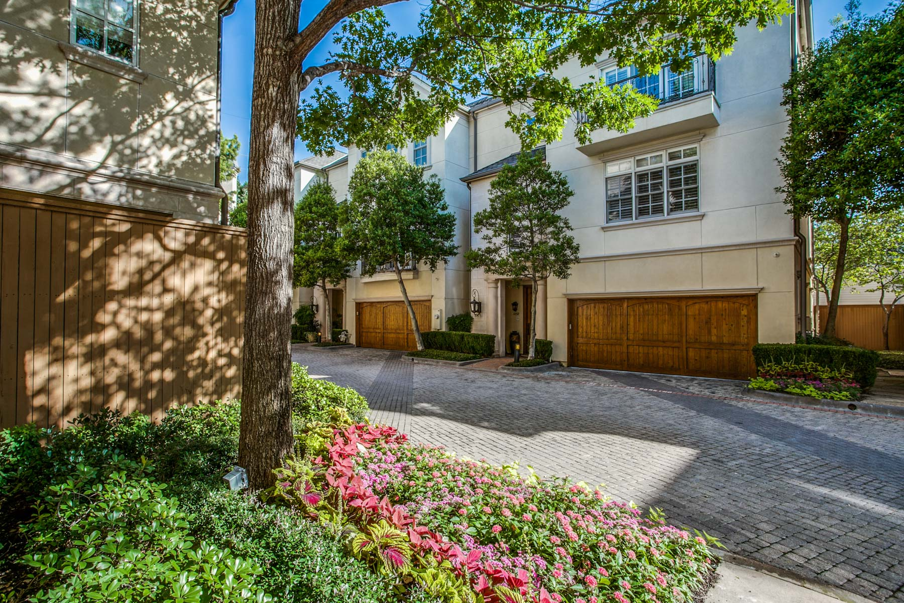 Single Family Home for Sale at Traditional Cascada at Turtle Creek 3352 Blackburn St Dallas, Texas, 75204 United States