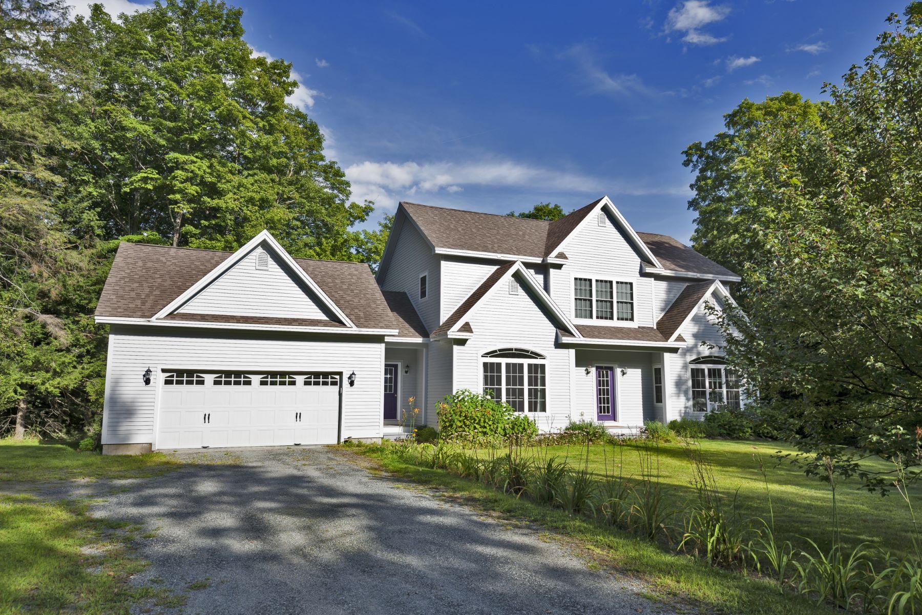 Частный односемейный дом для того Продажа на 88 Davenport Ln, Hartford Hartford, Вермонт, 05059 Соединенные Штаты